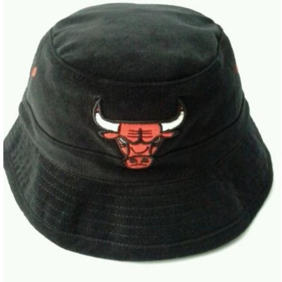 4ed3070eb Mitchell & Ness Bucket Hat NBA Chicago Bulls NWT